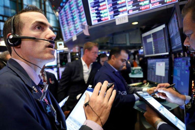 По данным «Bloomberg», за неделю богатейшие люди потеряли более 400 млрд долларов