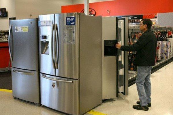 В России наблюдается ажиотажный спрос на холодильники и ноутбуки