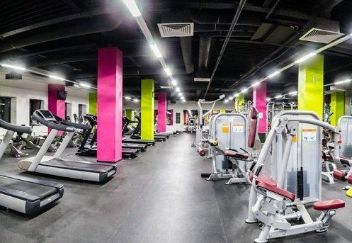 Работающие в Москве магазины, спа-салоны и фитнес-центры столкнулись с оттоком клиентов