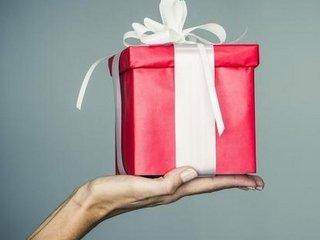 Что подарить после Восьмого Марта?