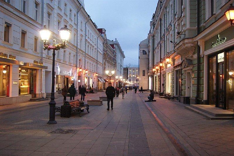 Торговые улицы Москвы стремительно пустеют
