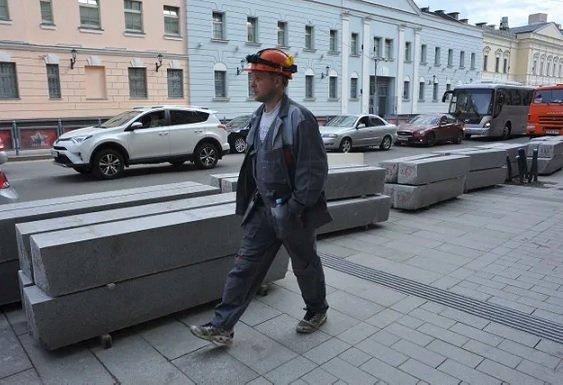 Мэрия заказала бордюры на 19,28 млрд рублей