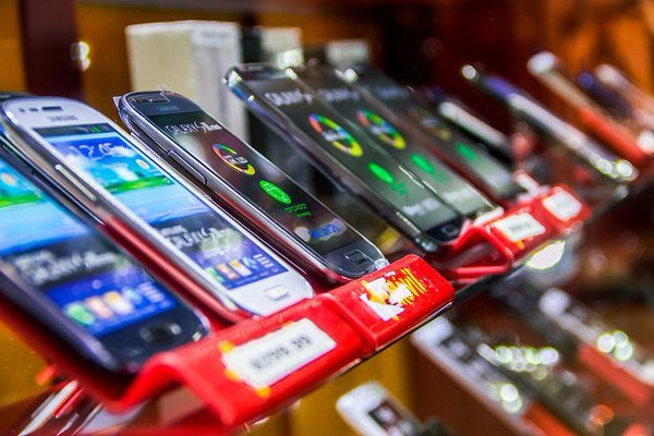 В условиях эпидемии вырос интерес к подержанным смартфонам