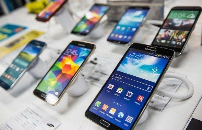 Продажи смартфонов в России показали резкий спад