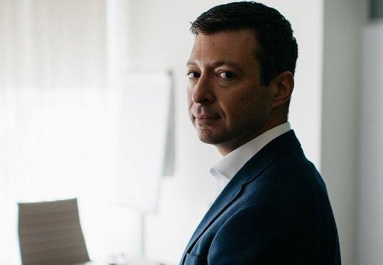 Топы «Яндекса» решили сократить свои зарплаты и отказаться от бонусов