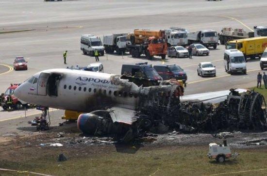 Пилот сгоревшего SSJ100 обвинил в крушении производителя самолета