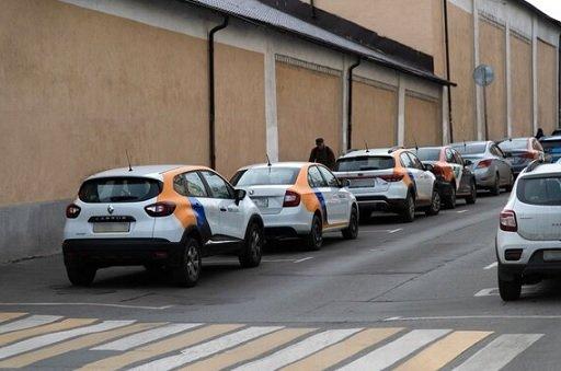 25 мая жители Москвы взяли в аренду лишь 5% каршеринговых авто