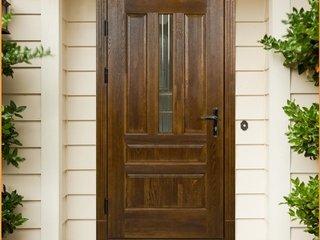 Особенности дверей из массива дуба