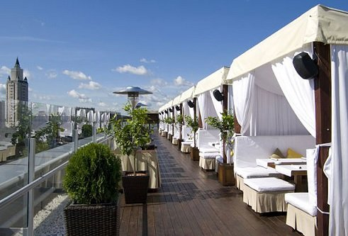 Московские рестораторы рассказали о работе летних веранд
