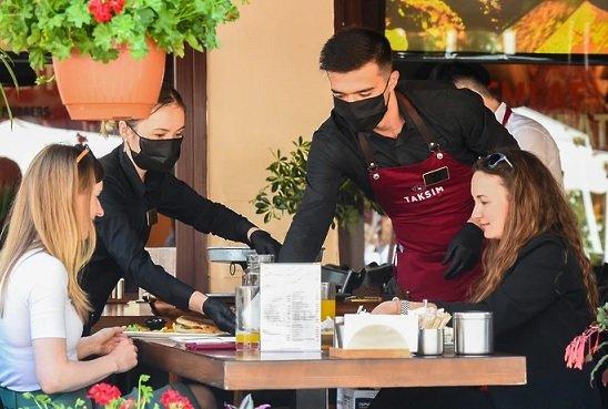 Ресторанный бизнес восстановится через месяц ― Собянин