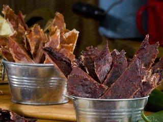 Сушеное мясо : выбор, хранение, польза и вред
