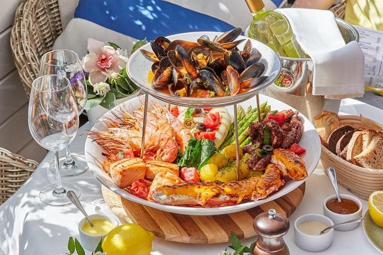 «Novikov Group» создала линейку готовых блюд для сети «Перекресток»