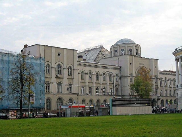 «Почта России» хочет привлечь партнеров для редевелопмента почтамта на Мясницкой