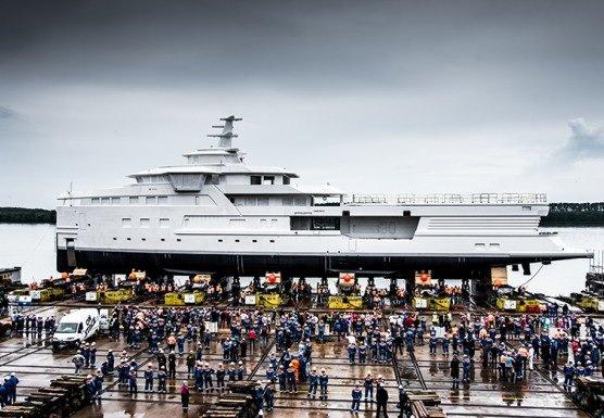 Заказанная Тиньковым в Нидерландах яхта-ледокол спущена на воду