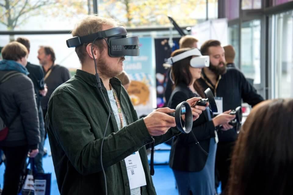 Бывший топ-менеджер «Ростеха» и «РЖД» вложил 100 млн рублей в разработку VR-технологий
