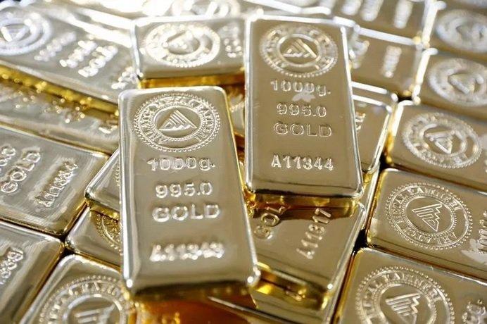 Стоимость золота бьет рекорды на мировых рынках
