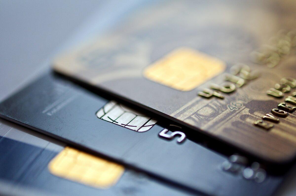 В кризис банки стали больше доверять старшему поколению