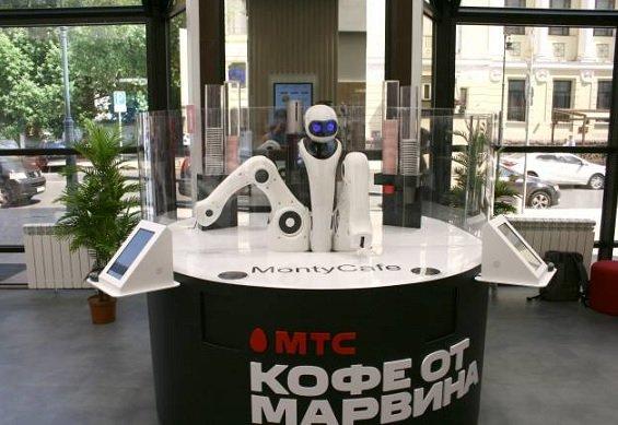 В Москве открылся первый шоурум МТС с роборукой и цифровыми витринами