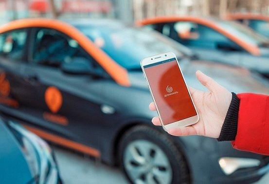 «Делимобиль» прекратил требовать в Москве наличия водительского стажа