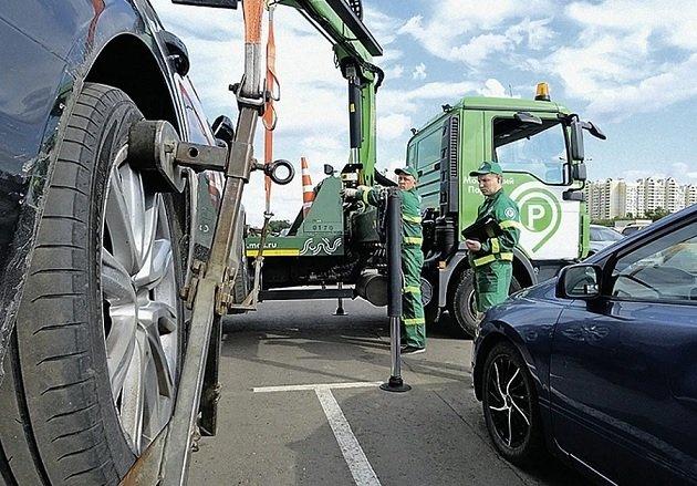 Сбер начнет предупреждать автомобилистов об эвакуации транспортных средств