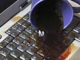 Что делать, если на ноутбук пролилась жидкость?
