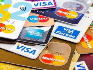 Как оформить дебетовую карту в банке