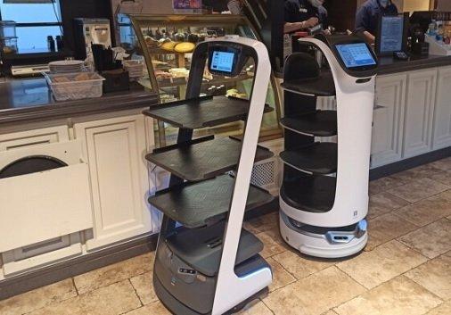 В московских заведениях «Шоколадницы» появились роботизированные официанты