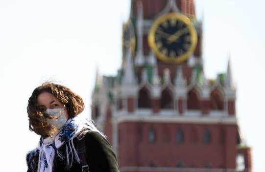 Плато в Москве наступит не раньше следующего года