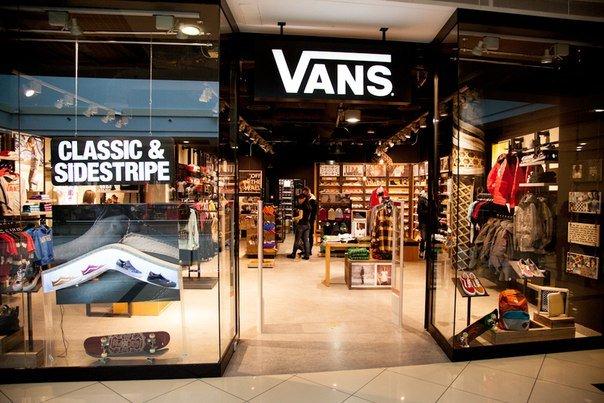 «VF Corporation» приобрела российскую сеть магазинов «Vans»