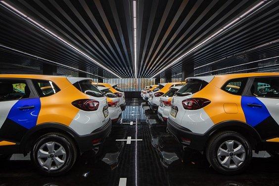 «Яндекс.Такси» начал удерживать плату за бронирование