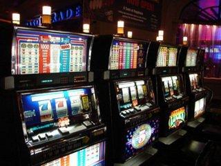 Почему стоит играть на деньги в Play Fortuna Casino?