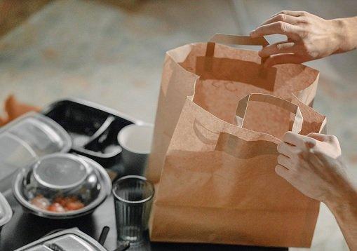 Курьеры «Лавки» начнут доставлять в дарксторы заказы из интернет-магазинов