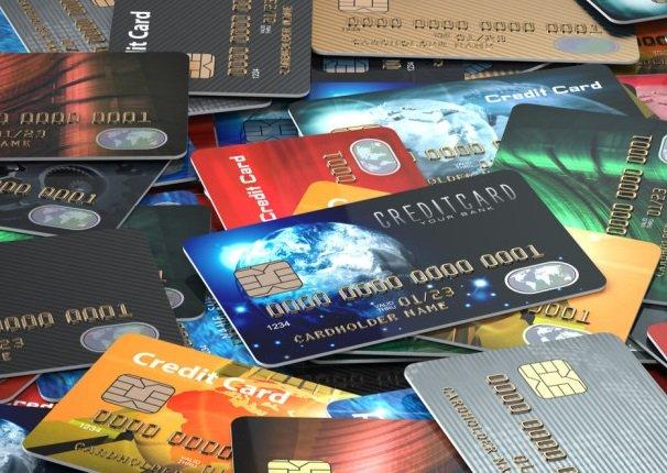 Ведущие банки намерены заменить половину пластиковых карт цифровыми