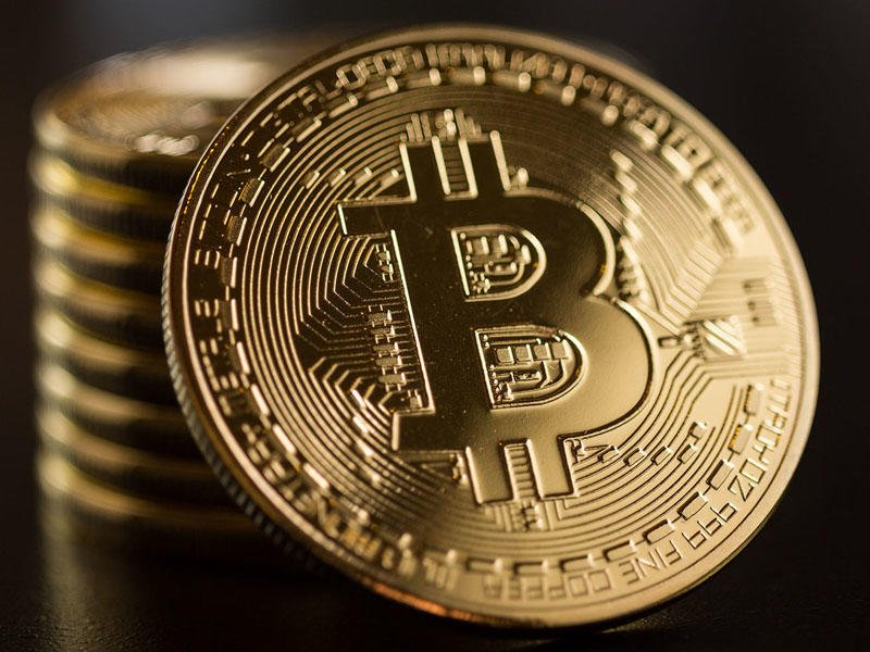Стоимость биткоина впервые в истории достигла 34 тыс долларов