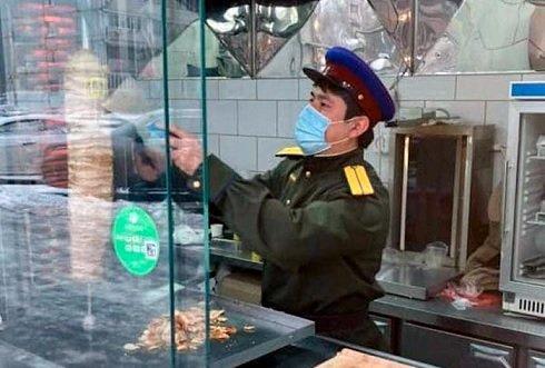 Полицейские проверили сталинскую донерную в Москве