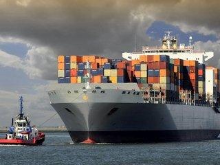 Как перевозят опасные грузы морским транспортом