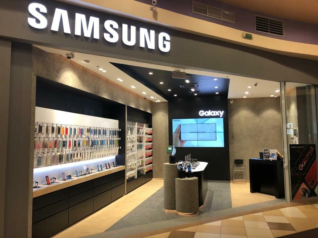 «Samsung» устанавливает на смартфоны приложения «Яндекса», которые невозможно удалить