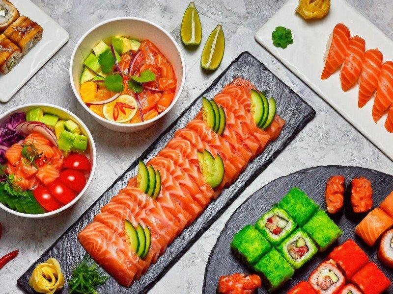 «X5 Retail Group» приобрел онлайн-фудкорт «Много лосося»