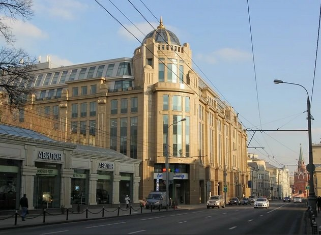 «Fosun Group» собирается продать здание Военторга