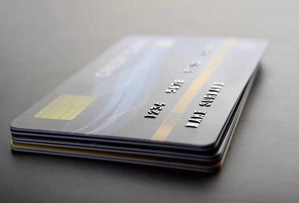 Сбер начал принимать платежные карты на переработку