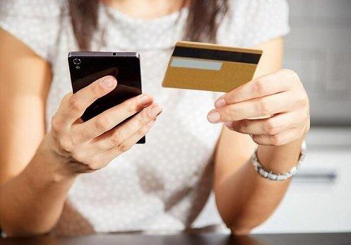 Терроризировавшие клиентов Сбера мошенники начали звонить клиентам конкурирующих банков