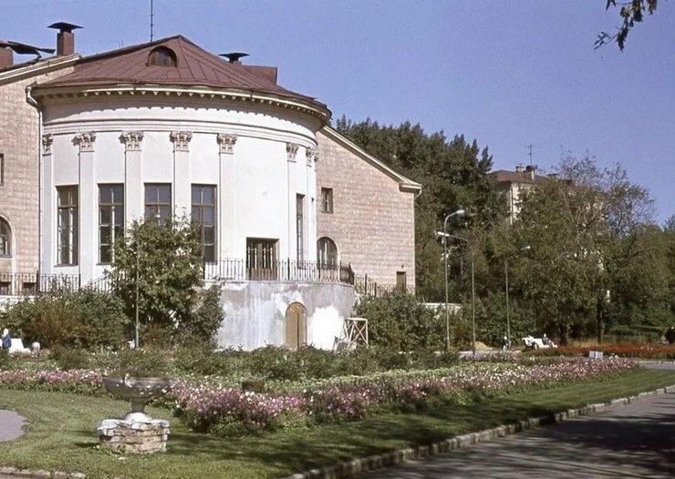 «Киевская площадь» собирается открыть гастромаркет в усадьбе Студенец